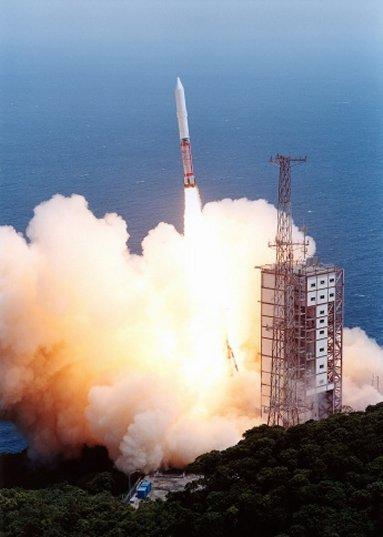 03小惑星探査機「はやぶさ」を乗せて打ち上げられたM.jpg