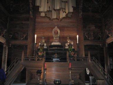 仏殿の内部.jpg