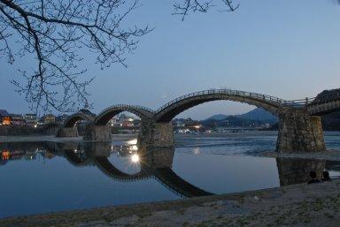 夜の錦帯橋.jpg