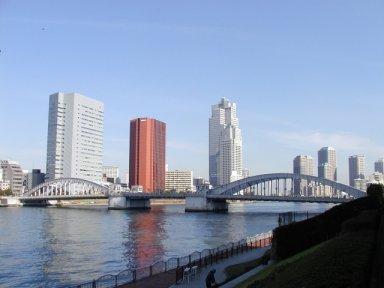勝鬨橋Tsukiji_buildings.jpg