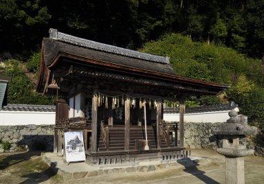 十八神社本殿.jpg